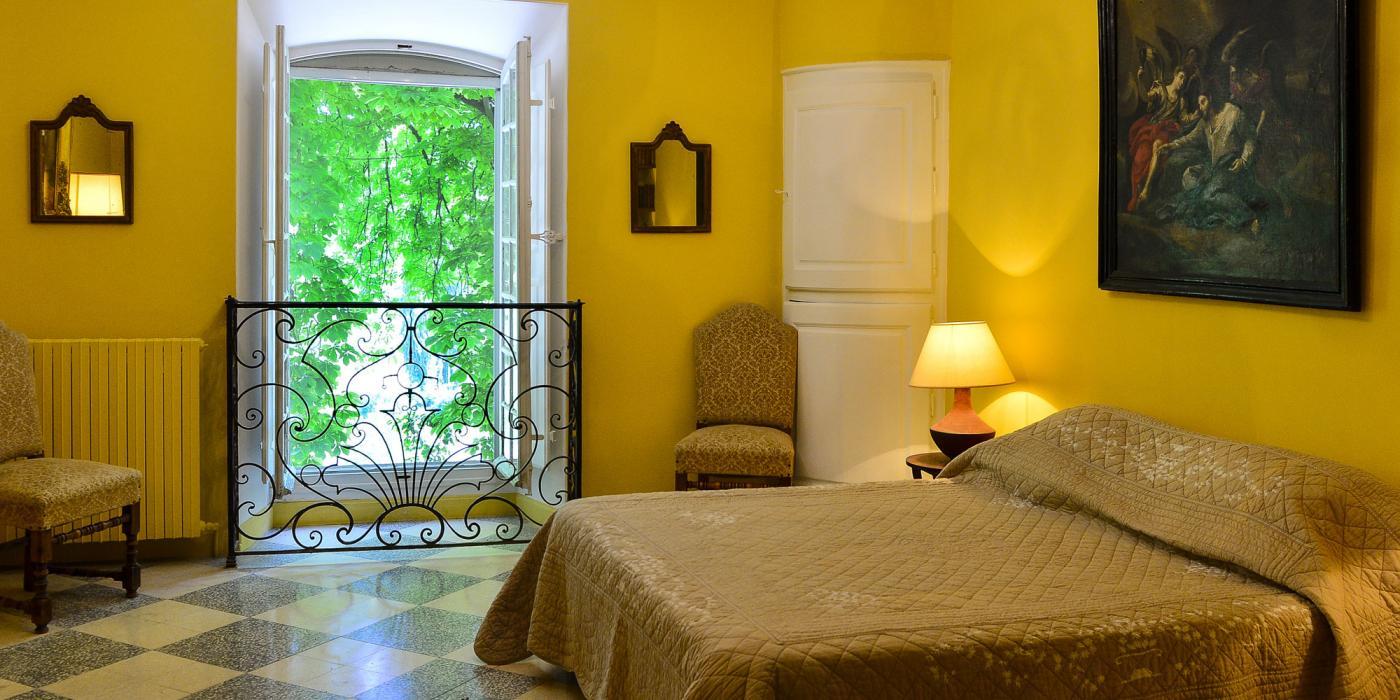Chambre espagnoleavec salle de bain attenante, clos de Villeneuve, Valensole en provence